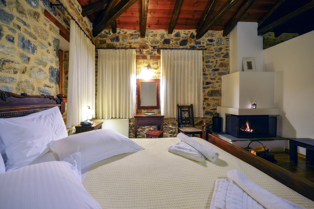 Deluxe Double Room with a fireplace